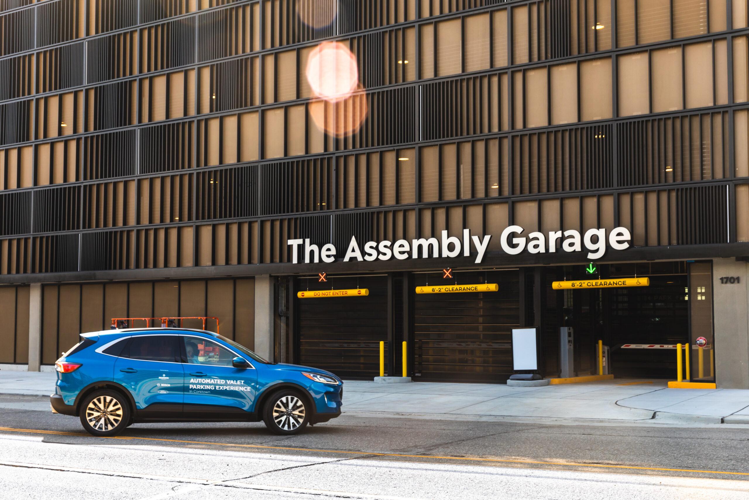 Ford, Bedrock e Bosch: guida autonoma nei parcheggi